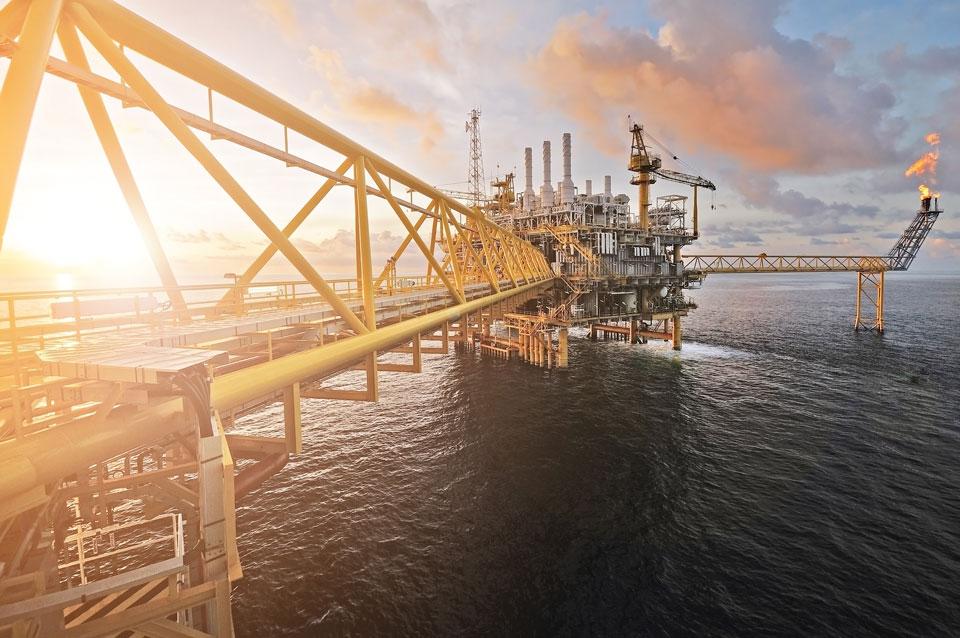 Exame de Covid-19 com monitoramento de saúde auxilia empresas offshore